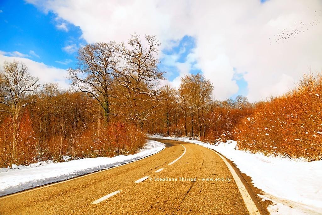 Route et paysage neigeux de Gaume par Stéphane Thirion étix