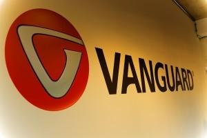 Création d un logo de 4m pour Vanguard-Photo Stéphane Thirion infographiste